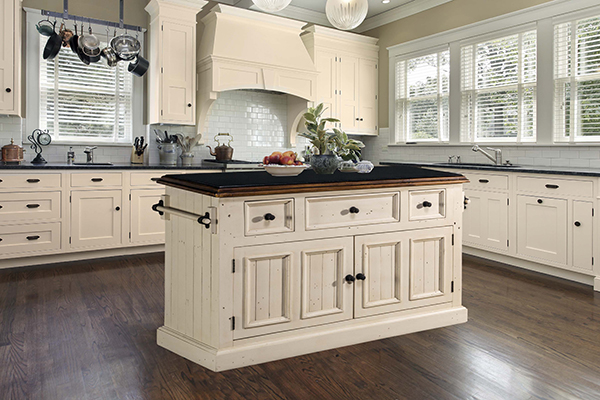 Tuscan Retreat® 3 Drawer 4 Door Large Granite Top Kitchen Island   Country  White With Antique Pine T